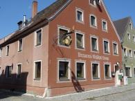 Brauereigasthof Krone                       Franz Schuller St. Lorenzstraße 14      92334 Berching                                Tel. 08462/302                               www.hotel-krone-berching.